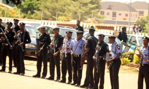 police-armed-for-protesters-in-nigeria-e1413033201444